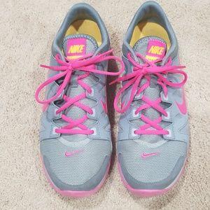 Womens nike training shoes